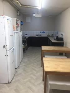 A kitchen or kitchenette at London Waterloo Hostel