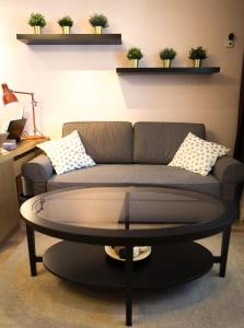 A seating area at Naturelle