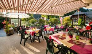 Ein Restaurant oder anderes Speiselokal in der Unterkunft Gasthof Bären