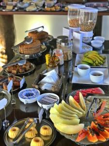 Opções de café da manhã disponíveis para hóspedes em Pousada Vista da Pedra