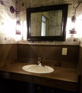A bathroom at Tombstone Miners Cabins