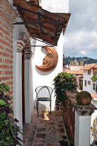 A balcony or terrace at Hotel los Arcos