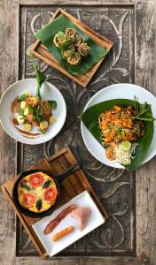 Lunch and/or dinner options available to guests at Ruenkanok Thaihouse Resort