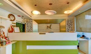 The lobby or reception area at Treebo Trend Manyaa