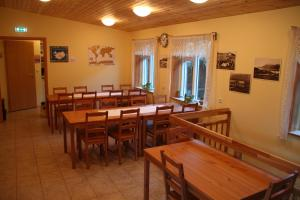 En restaurant eller et andet spisested på Hjá Marlín Guesthouse