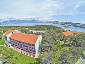 Blick auf San Marino Sunny Resort by Valamar aus der Vogelperspektive