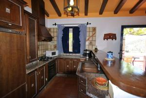A kitchen or kitchenette at Villa Ruiz