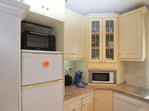 A kitchen or kitchenette at Luxurious Villa in La Escuera with Swimming Pool