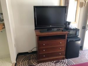 A television and/or entertainment center at Vienna Wolf Trap Hotel