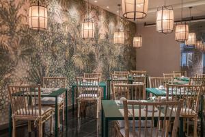 Een restaurant of ander eetgelegenheid bij Vincci Palace