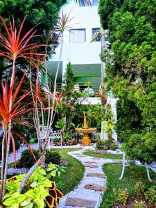 A garden outside Hotel Pousada Reimar