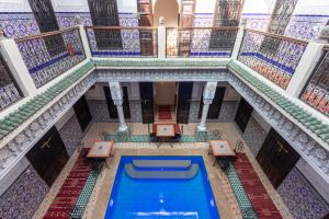 The swimming pool at or close to Riad Medina Art Suite & heated Pool