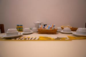 Breakfast options available to guests at Casa Cairoli