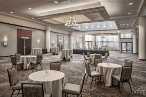 A restaurant or other place to eat at Hilton Sacramento Arden West