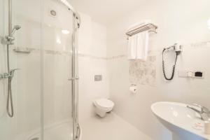 Łazienka w obiekcie Pokoje Fregata