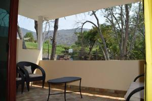 A balcony or terrace at Hotel Chapala Country
