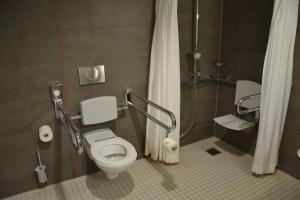 A bathroom at GZT Das Gästehaus