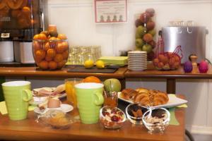 Options de petit-déjeuner proposées aux clients de l'établissement ibis Styles Le Puy en Velay