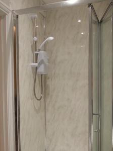 A bathroom at Spacious double ensuite room
