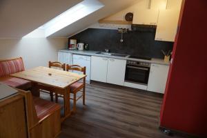 Küche/Küchenzeile in der Unterkunft Gölsenhof - Fam. Büchinger
