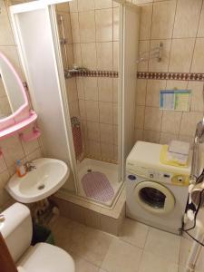 Ванная комната в Студия в тихом районе