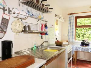 A kitchen or kitchenette at St Magnus Haven, Fraserburgh