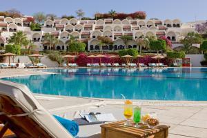 Басейн в Mövenpick Resort Sharm El Sheikh або поблизу