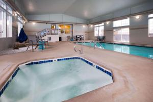 The swimming pool at or near La Quinta Inn by Wyndham Bend