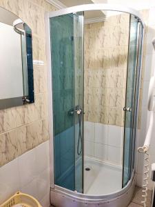A bathroom at Synya Gora