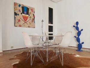 A seating area at La merveilleuse Dar Dounia