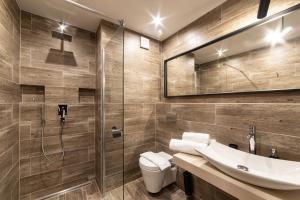 Salle de bains dans l'établissement Interhotel Tatra