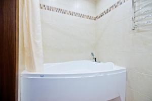Ein Badezimmer in der Unterkunft Hotel Polina