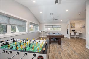 A billiards table at Legacy Vacation Resorts-Indian Shores
