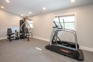 The fitness centre and/or fitness facilities at Legacy Vacation Resorts-Indian Shores