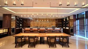 A restaurant or other place to eat at Sheraton Taoyuan Hotel