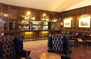 The lounge or bar area at The Horseshoe Inn – RelaxInnz