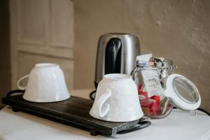 Set per la preparazione di tè e caffè presso Bed & Breakfast Al Devesio