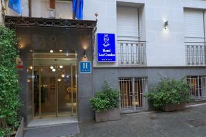 Fachada o entrada de Hotel Los Condes