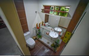 A bathroom at CASA LAGOA - Praia do Frances
