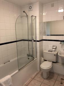 A bathroom at Stafford South Hatherton Hotel