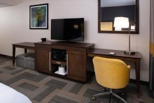 A television and/or entertainment centre at Hampton Inn & Suites Los Angeles/Hollywood, CA