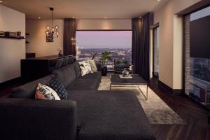 A seating area at Van der Valk Hotel Amsterdam - Amstel