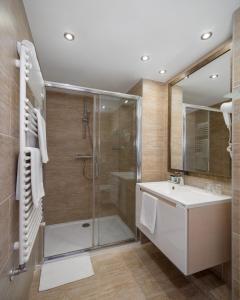 A bathroom at Bükkös Hotel & Spa