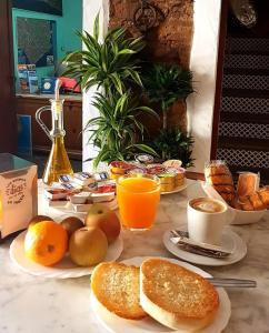 Opciones de desayuno disponibles en Hostal El Asturiano