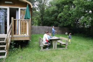 Children staying at Camping le Nid du Parc