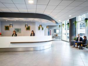 The lobby or reception area at Novotel Reading Centre