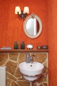Ванная комната в Endless Sea - Beachfront, Sea Views, Private Beach