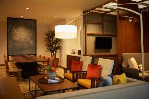 A restaurant or other place to eat at Hyatt Place Las Vegas at Silverton Village