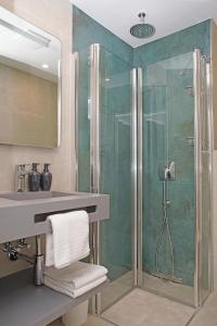 A bathroom at Beachhotel Sahlenburg - Adults Only - Boutiquehotel & Apartments