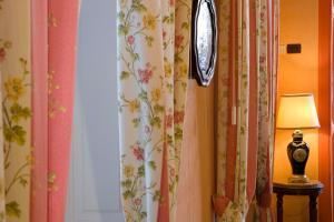 A bathroom at Hotel Principi D'Acaja